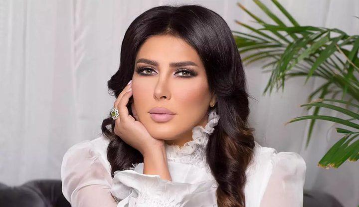 فنانة بحرينية تشبه نفسها بنانسي عجرم