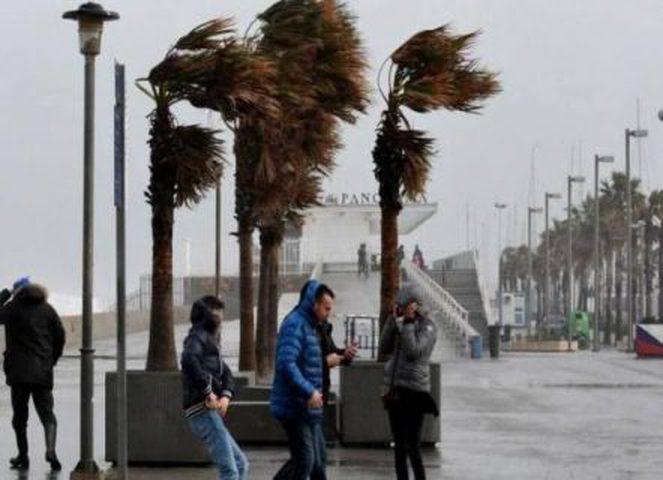 مصرع ثلاثة أشخاص شرق إسبانيا بسبب عاصفة