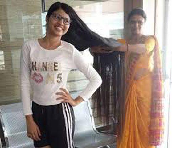 فتاة هندية تحصل على لقب صاحبة أطول شعر لمراهقة بالعالم