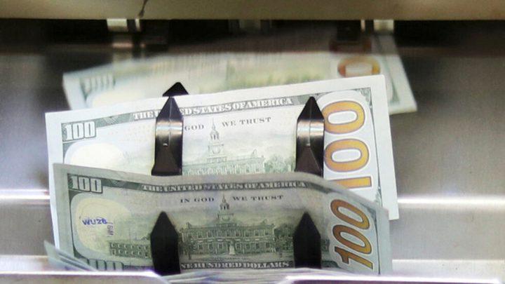 نقابة الصيارفة في لبنان تعلن تثبيت سعر صرف الدولار