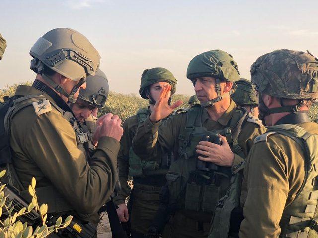 كوخافي يزور فرقة غزة بزعم بحث عمليات التسلل عبر السياج الفاصل