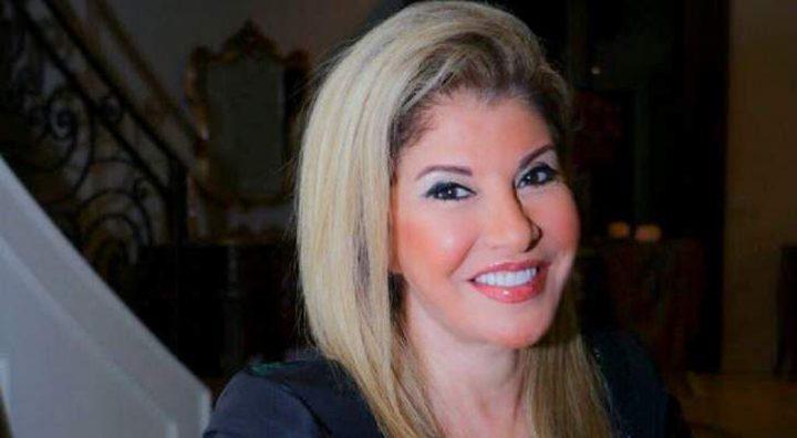الإعلامية المصرية هالة سرحان تنشر صورة شقيقتها التوأم