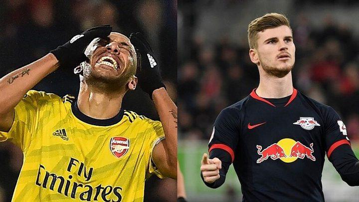 برشلونة تسعى لضم لاعب من أصول عربية