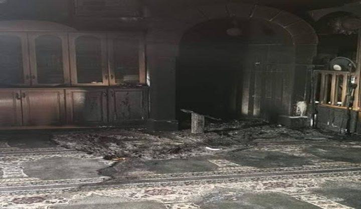 الأوقاف تستنكر إحراق المستوطنين مسجداً جنوب القدس