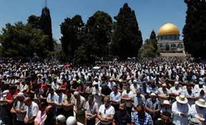 25 ألفا يؤدون الجمعة في المسجد الأقصى المبارك