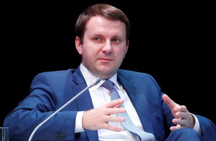 الرئيس الروسي يعين وزير الاقتصاد السابق مستشارا له