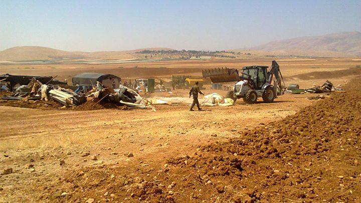 الاحتلال يفتش خياما في الأغوار الشمالية