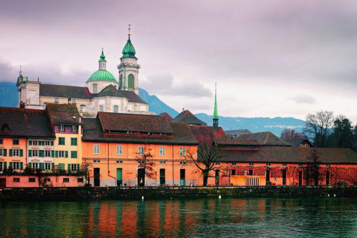 """""""سولوتورن"""".. مدينة سويسرية مهووسة بالرقم 11"""