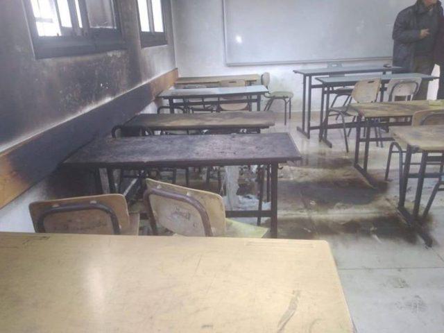 نابلس: مستوطنون يحرقون صفا مدرسيا في عينابوس