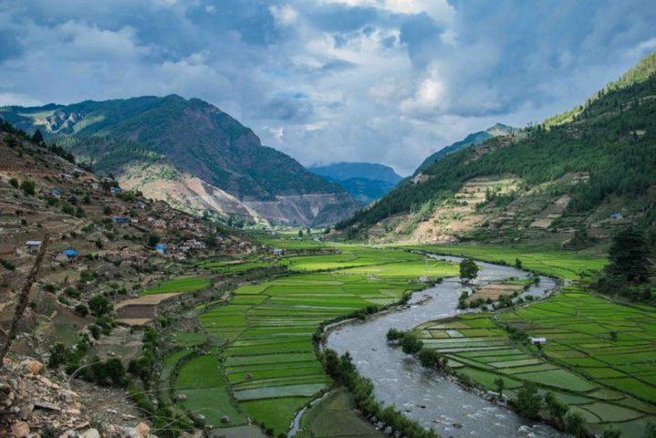 """نيبال تدخل """"غينيس"""" بـ""""أعلى عرض أزياء في العالم"""""""