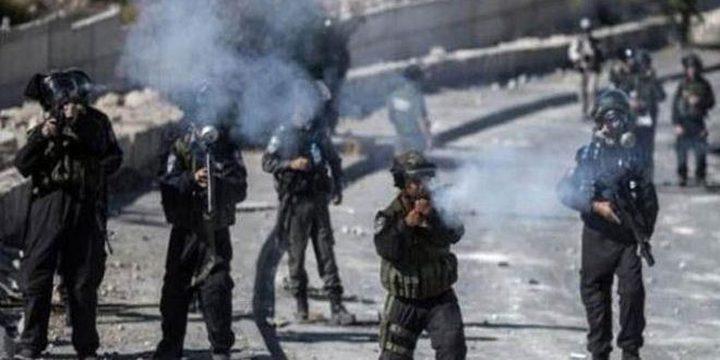 جنين: إصابات بالاختناق خلال مواجهات مع الاحتلال في بلدة جبع