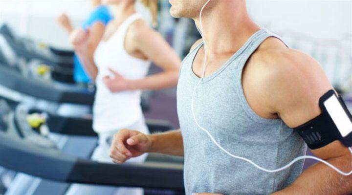 دراسة: الاستماع إلى الموسيقى يجعل التمرين أسهل وأكثر فائدة