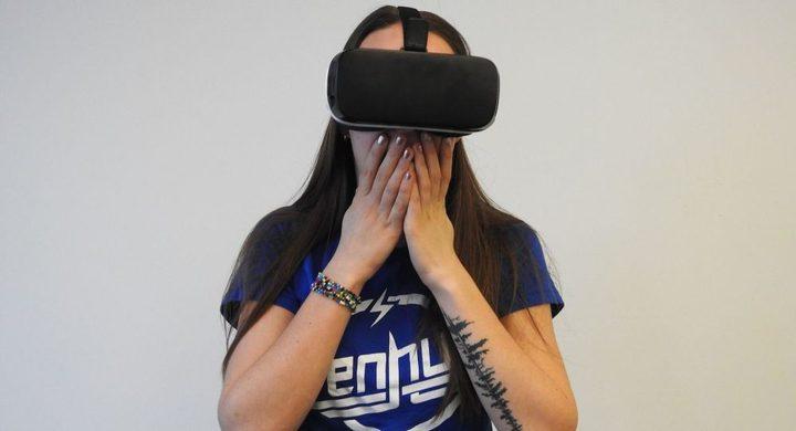 الواقع الافتراضي يسمح لأم بلقاء ابنتها المتوفاة!