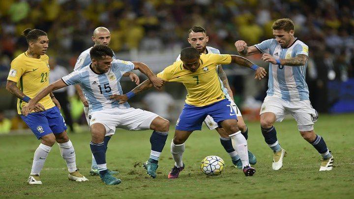 البرازيل تسحق الارجنتين بثلاثية نظيفة