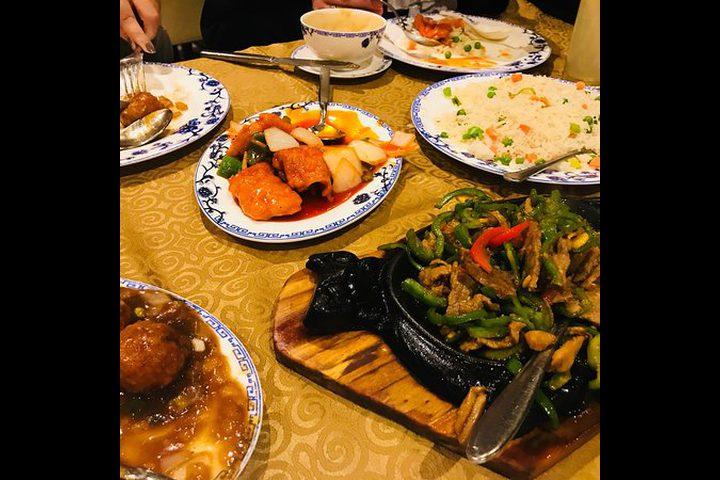 وجبة عشاء تصيب عائلة كاملة بالكورونا في الصين