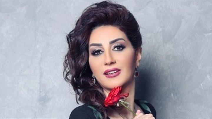 والدة الفنانة وفاء عامر تجري عملية جراحية