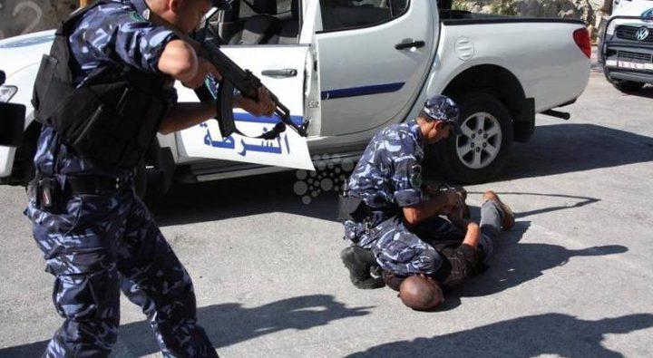 رام الله: الشرطة تقبض على تاجر مخدرات