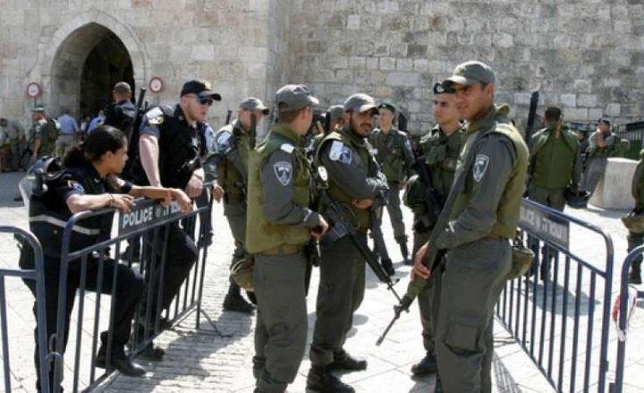 الاحتلال يعتقل 3 شبان وسيدة قرب باب الأسباط