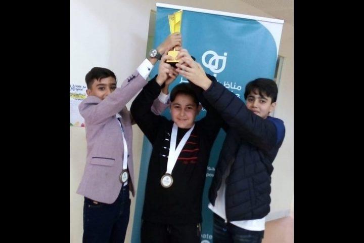 المدرسة الفلسطينية في قطر تفوز بالمركز الأول بمسابقة للمناظرات