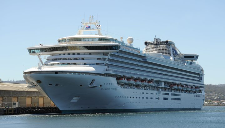 إصابة 3 إسرائيليين محتجزين في سفينة سياحية بفيروس كورونا