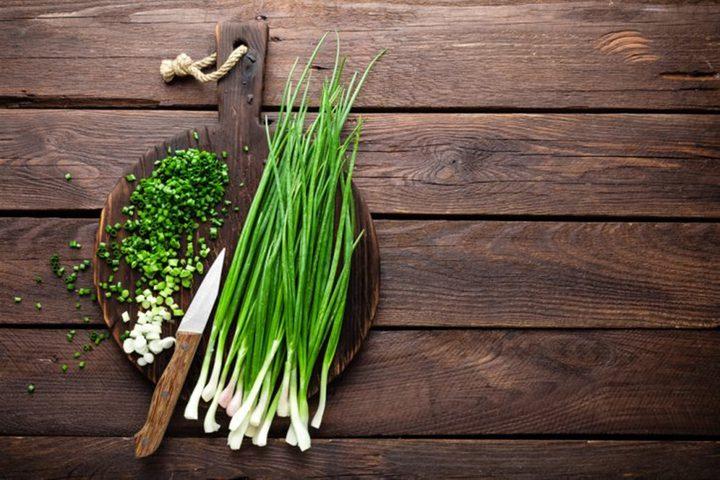 تعرفوا على أهم الفوائد الصحية لنبتة الثوم المعمر