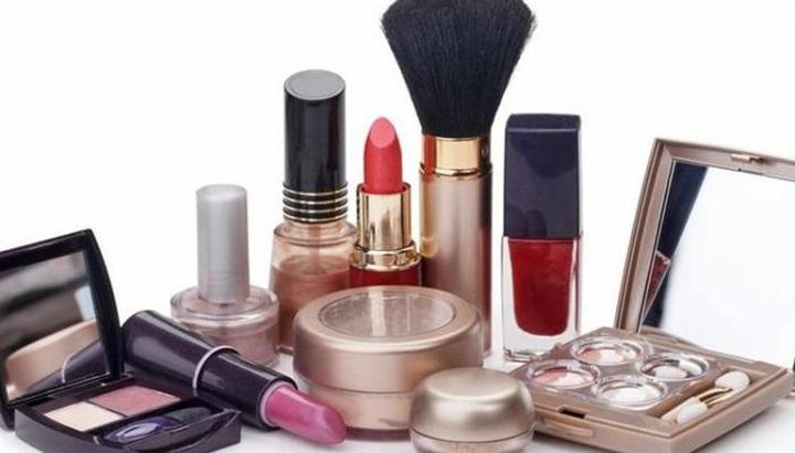 ما هي أدوات التجميل التي تنقل عدوى الأمراض الخطيرة ؟