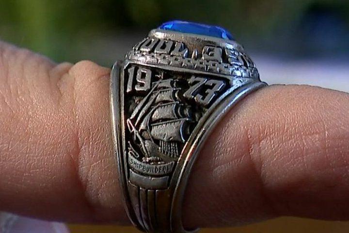أمريكية تجد خاتمها الضائع في فنلندا بعد 45 عاما !