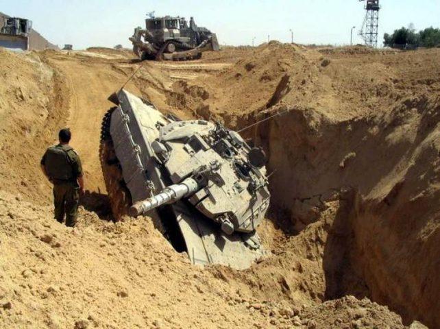 انقلاب آلية عسكرية لقوات الاحتلال في النقب
