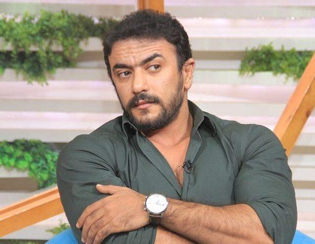 أحمد العوضي يستعرض لياقته البدنية