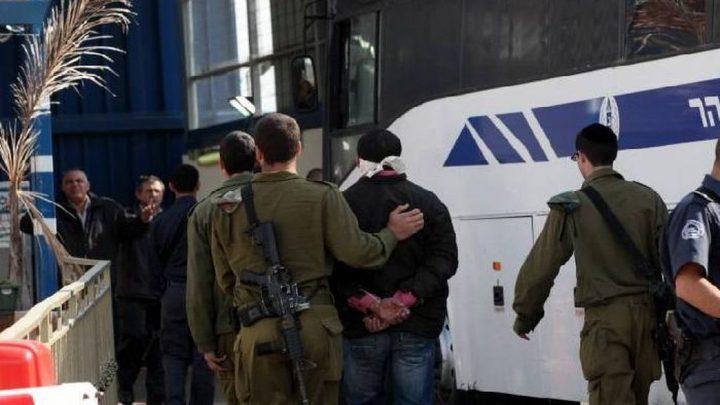 """الاحتلال ينقل الأسير عروق الى """"عيادة الرملة"""""""