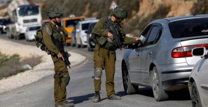قوات الاحتلال تقتحم دير نظام وتشدد من اجراءاتها التعسفية