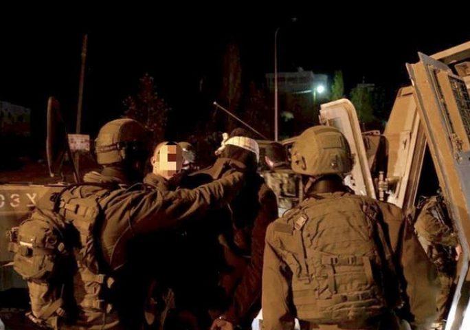 اعتقال 5 مواطنين من الضفة والقدس
