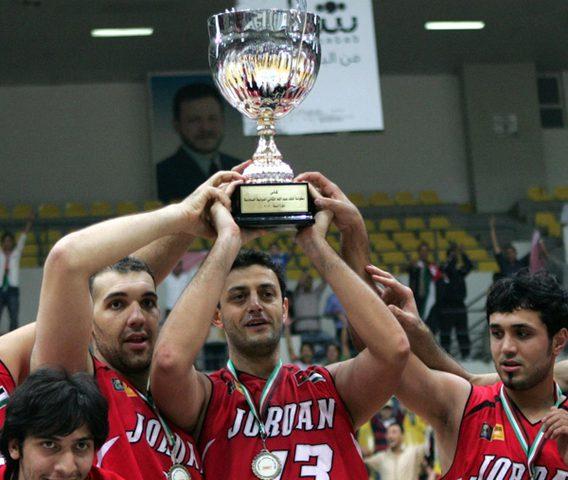 منتخب لبنان يحرز كأس الملك عبدالله