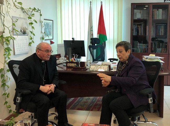 عشراوي تبحث مع القاصد الرسولي آخر التطورات السياسية
