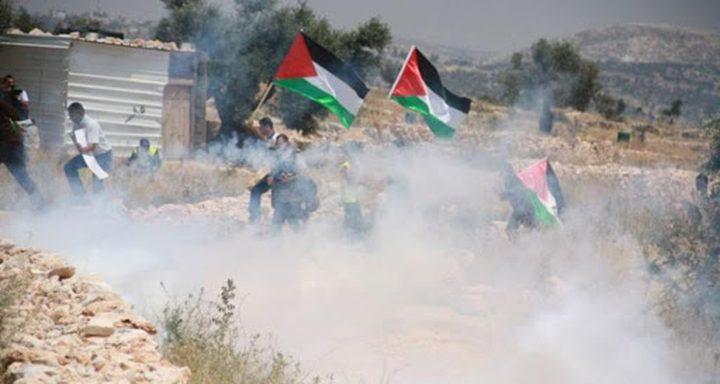 اصابة العشرات جراء قمع الاحتلال مسيرة سلمية رفضا لصفقة القرن