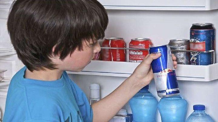 خبير يحذر من تناول مشروبات الطاقة عشوائيا