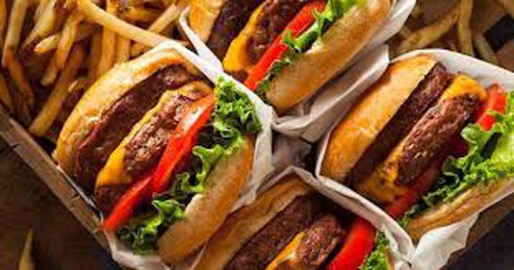 دراسة تحذر: الأطعمة السريعة يمكن أن تنشر عدوى فيروس خطير