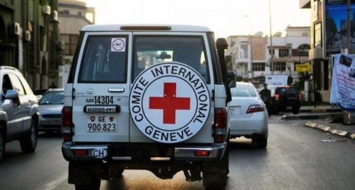 نابلس: تسليم رسالة للصليب الأحمر حول ظروف الأسرى الصحية