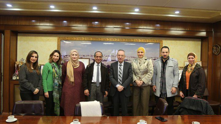 """المعهد الفلسطيني للطفولة يحصل على شهادة تجديد """"الأيزو"""""""