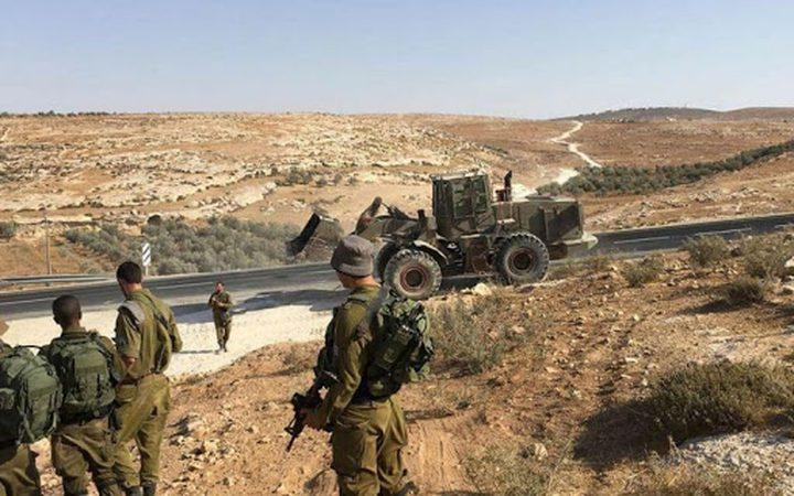 الاحتلال يغلق طرقا ومداخل شرق يطا