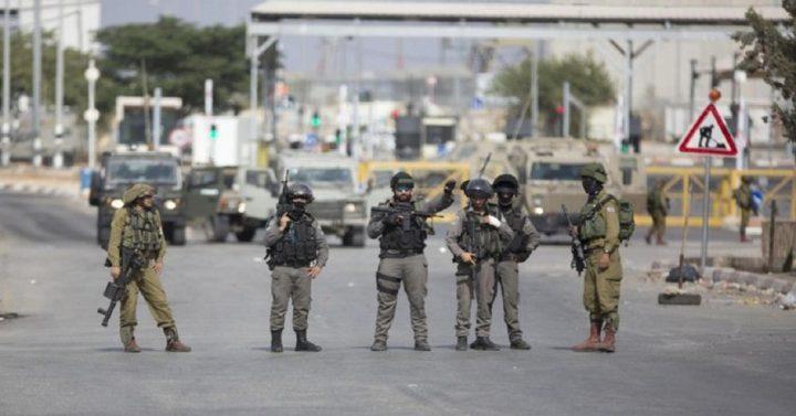 قوات الاحتلال تعيق حركة المواطنين شمال غرب نابلس