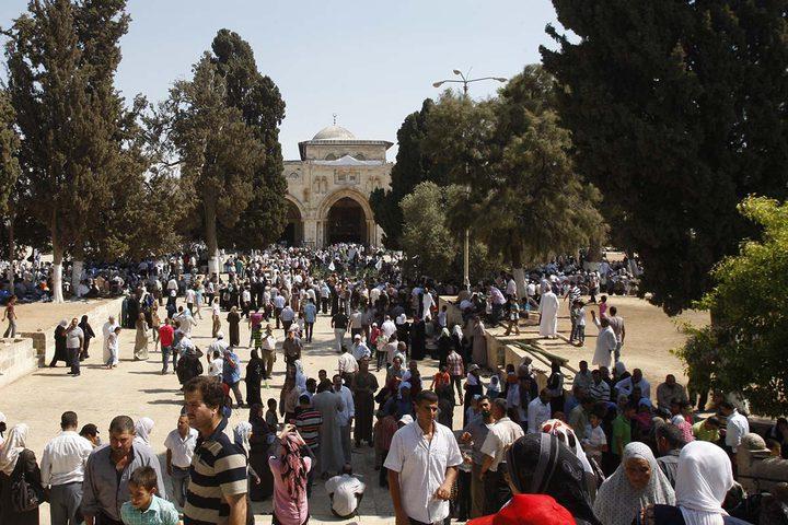 القدس مسجدها وقبتها ... عيوننا اليك ترحل كل يوم