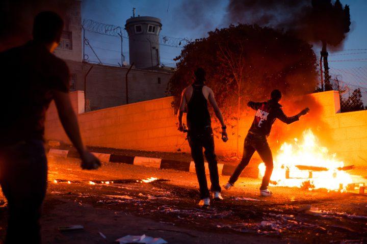 اصابات واعتقالات خلال مواجهات مع الاحتلال في قرية العرقة