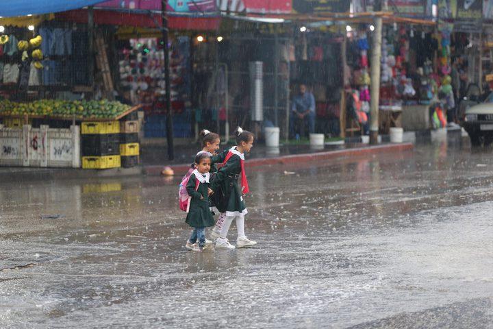 طقس فلسطين يتوقع استمرار هطول الأمطار الليلة وحتى الثلاثاء