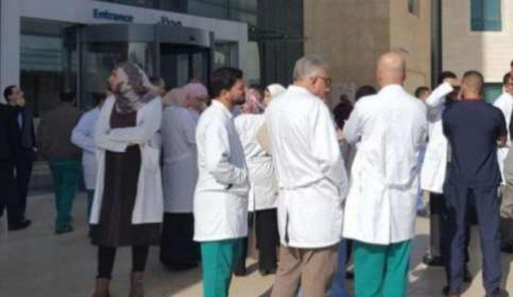 """""""الأطباء"""": ننتظر رد الحكومة وخيار الاستنكاف قائم"""