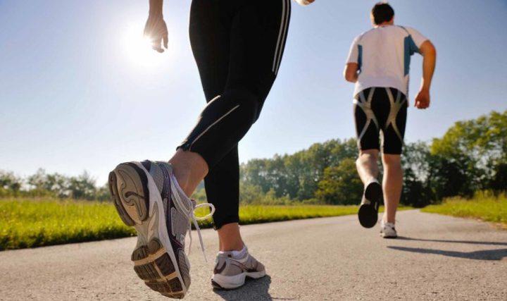 دراسة أميركية صادمة تؤكد أن المشي والرياضة لا ينقصان الوزن