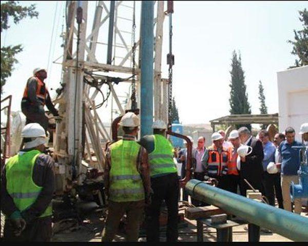 افتتاح مشروع إعادة تأهيل شبكة المياه في بلدة العيزرية