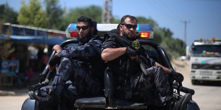 """التجمع الإعلامي يدين اقتحام الأمن في غزة مقر اذاعة """"صوت الوطن"""""""