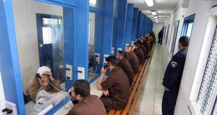 """سجون الاحتلال تدرس الحد من زيارات الأسرى بسبب فيروس""""كورونا"""""""