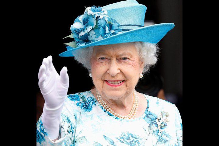 تعرفوا على طريقة ملكة بريطانيا في الوقاية من كورونا